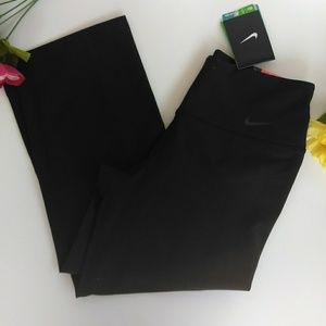 Nike Dri- fit Slim fit yoga  new      Size S